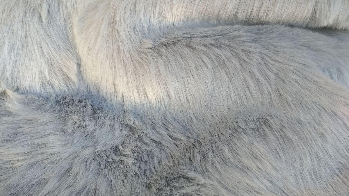 Oděvní kožešina, azurově šedá, 27mm