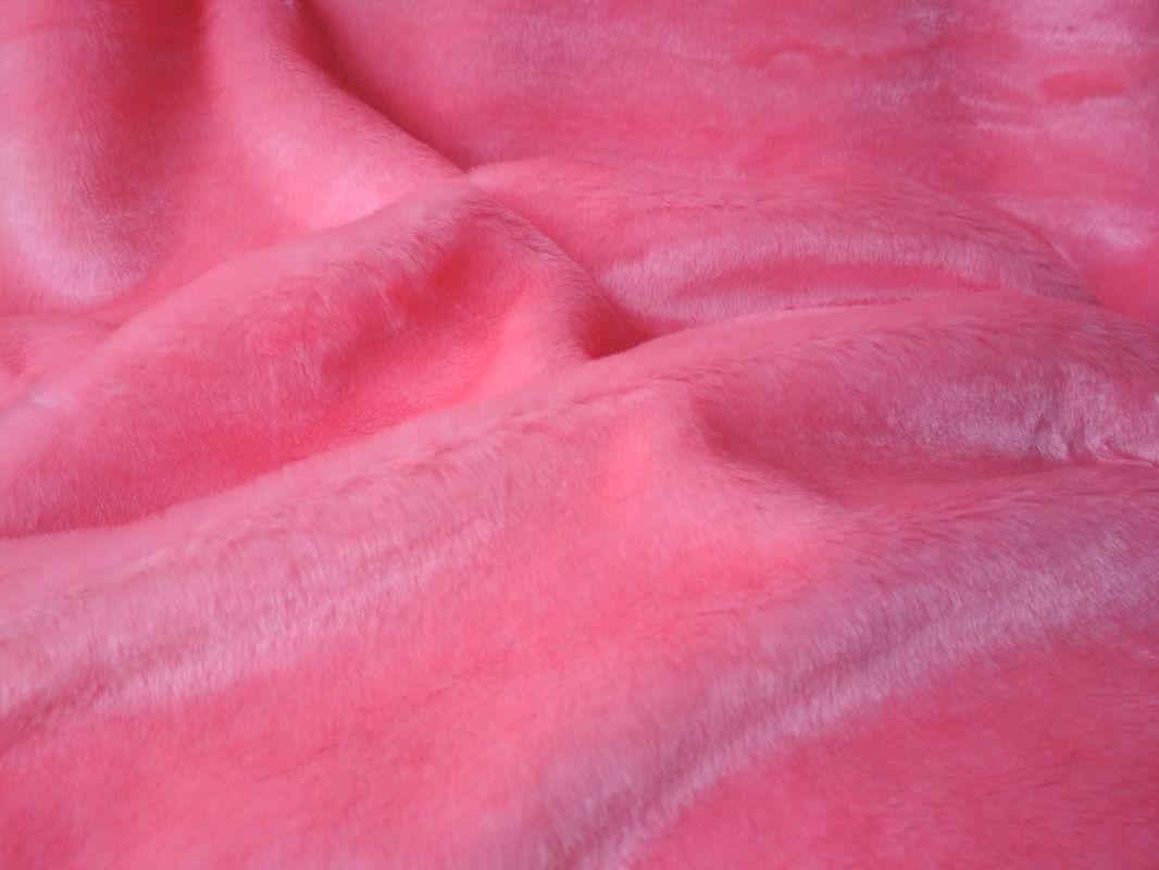 plyš růžový v metráži
