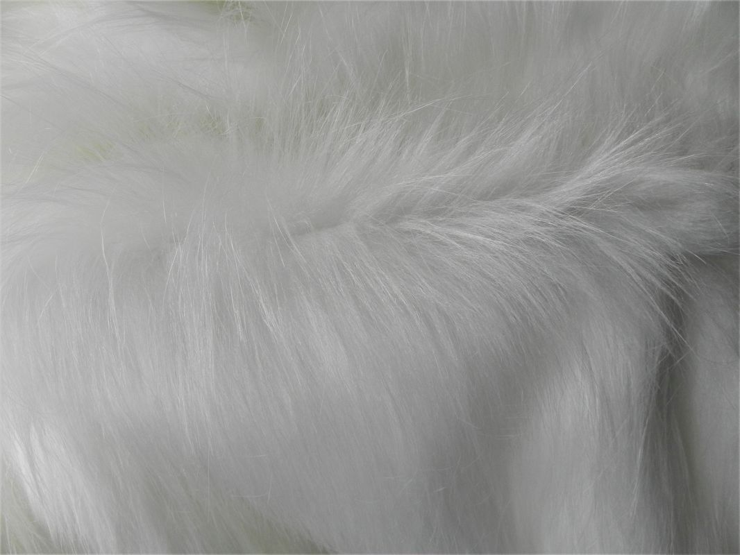 Umělá kožešina s extra dlouhým vlasem, 90mm, bílá, š. 143cm