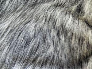 Metráž umělé kožešiny oděvní, černobílá POLÁRNÍ LIŠKA, vlas 50 mm, š. 145cm