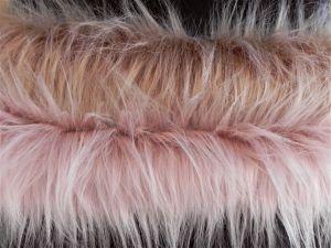Umělá kožešina metráž, pudrová, 90mm vlas (dóle) a béžová, 90mm vlas (nahoře)