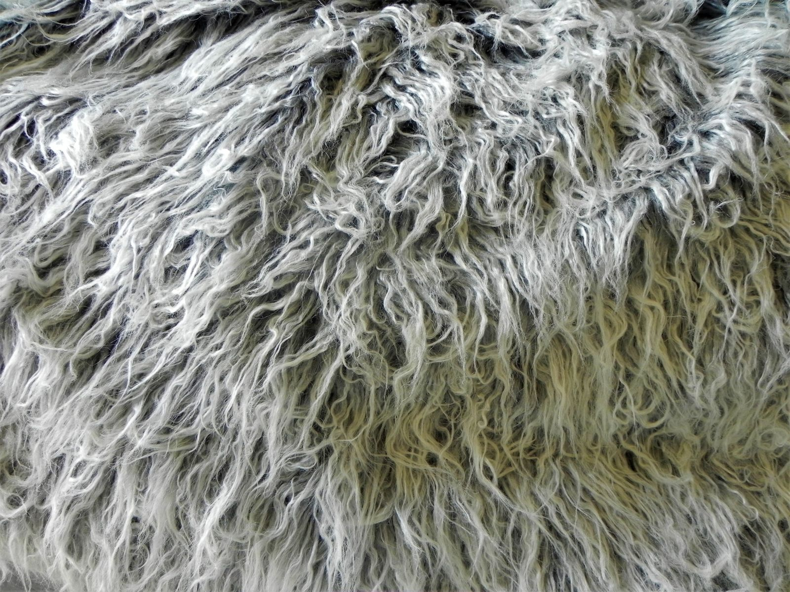 Umělá kožešina, metráž, šedo bílá, LAMA, 70mm vlas, š. 147cm